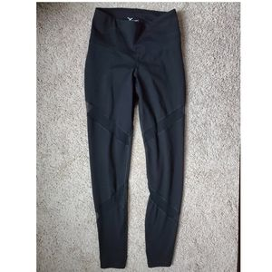 Old navy small mesh athletic leggings black active